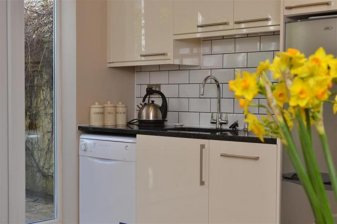 2 Knoll Cottages price range is see website for latest offers
