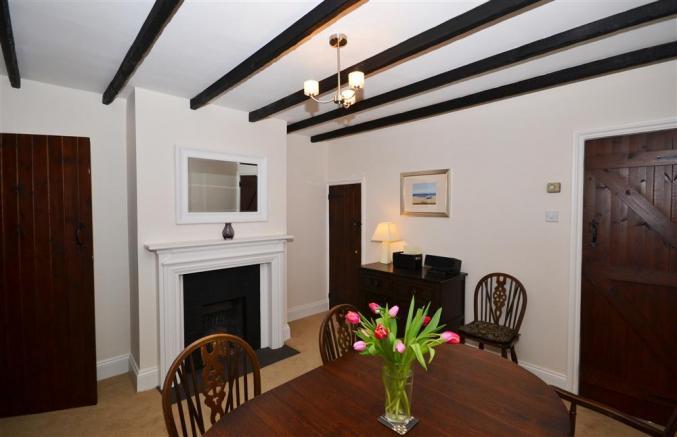 2 Knoll Cottages is in Brockenhurst, Hampshire