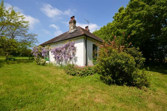 Click here for more about Pinns Farm Bungalow